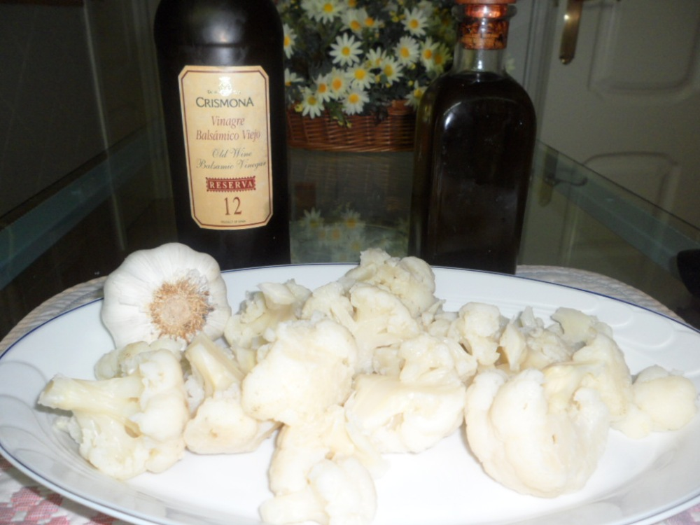 Coliflor cocida con ajos fritos (2/6)